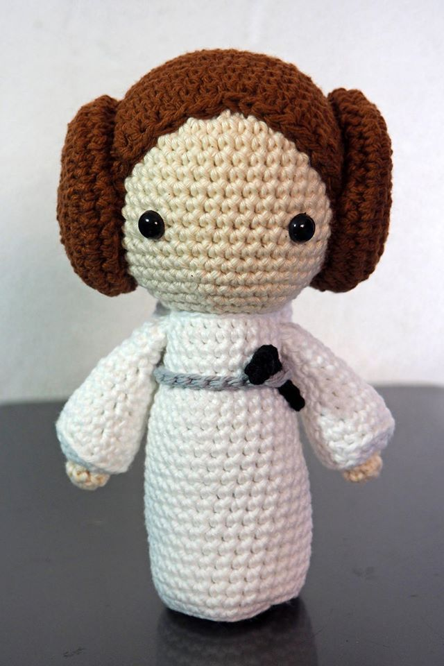 Amigurumi Princess Leia by Amigurinos | Patrones | Pinterest ...