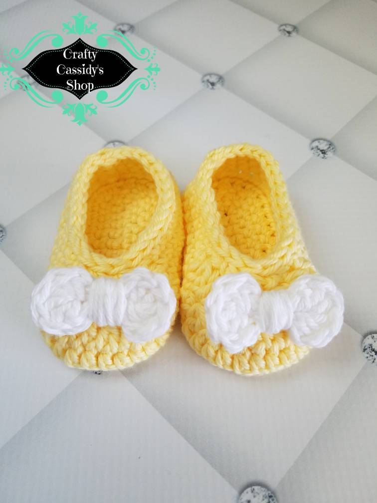 c9be84057 Baby girl yellow with white bow slipper shoes  newborn baby shoes yellow  with white bow  Crochet baby girl shoes  cute baby girl shoes by  CraftyCassidysShop ...