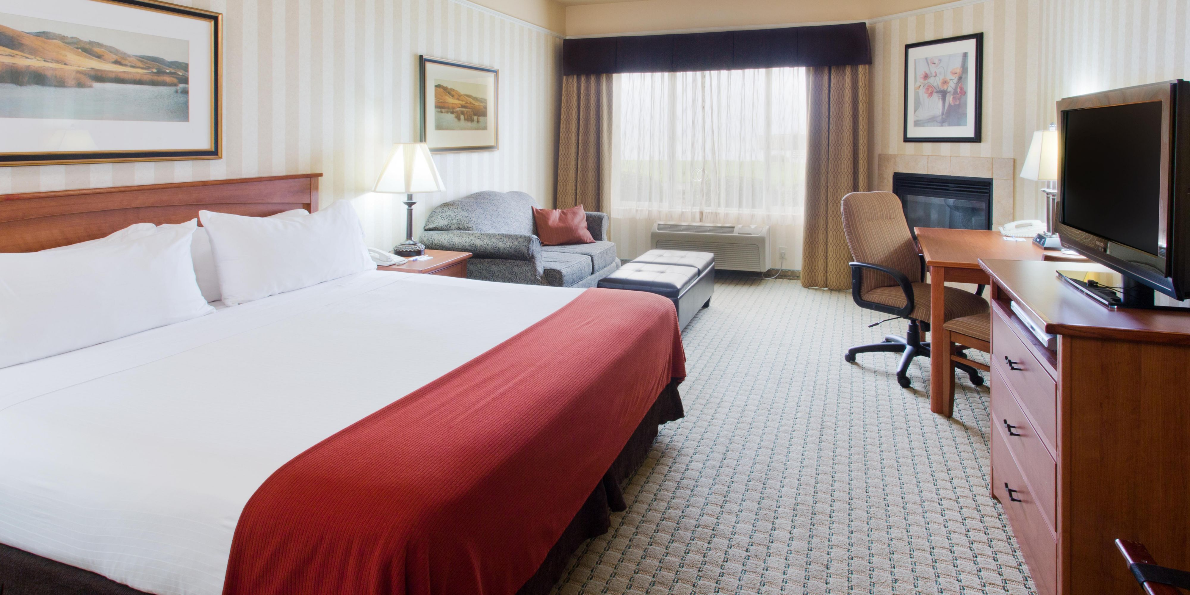 Hotel And Lodging In Astoria Oregon Holiday Inn Express Hotel Suites Holiday Inn