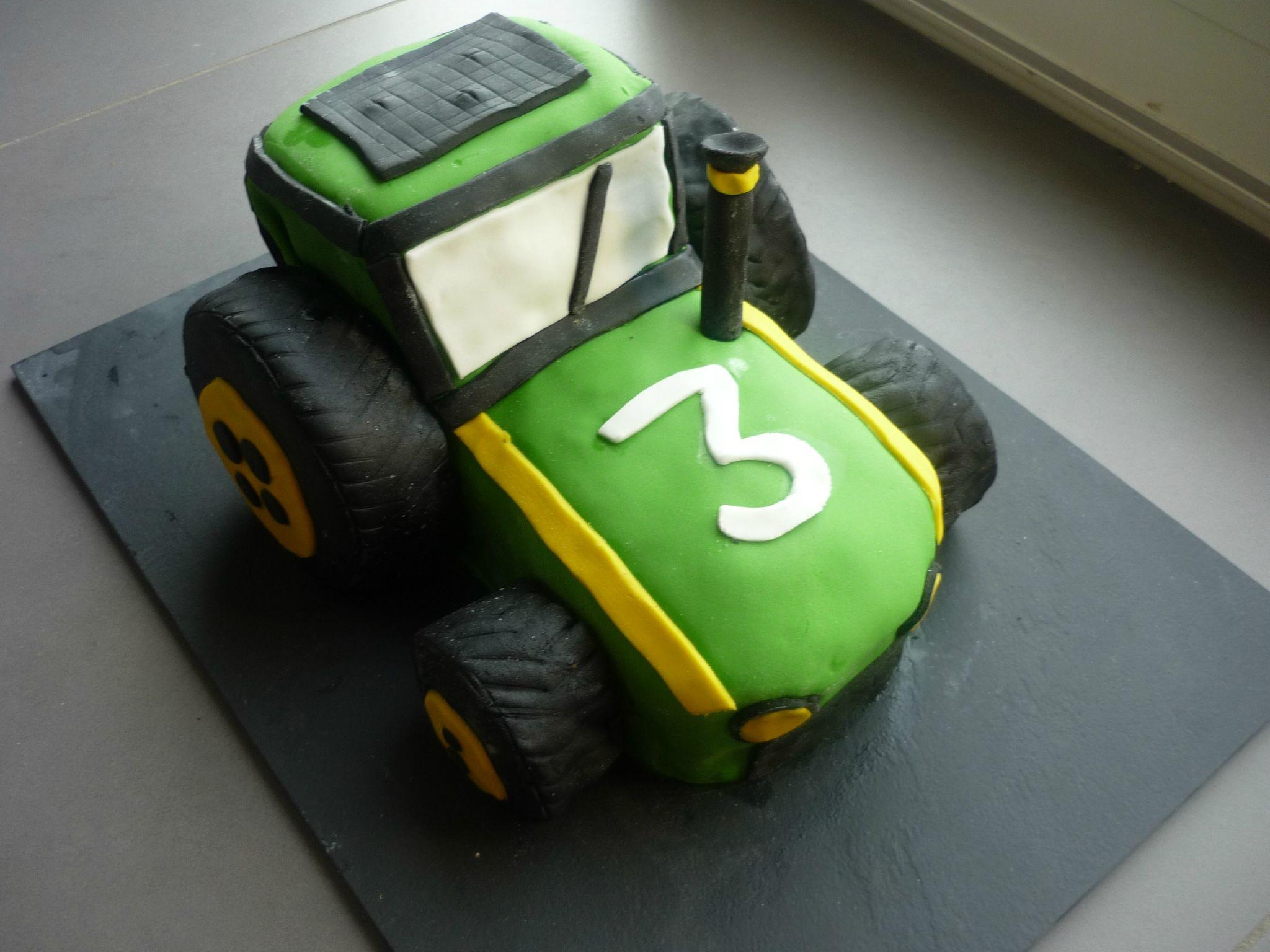 G teau 3d tracteur tractor chez ale dessert pinterest - Tracteur rigolo ...