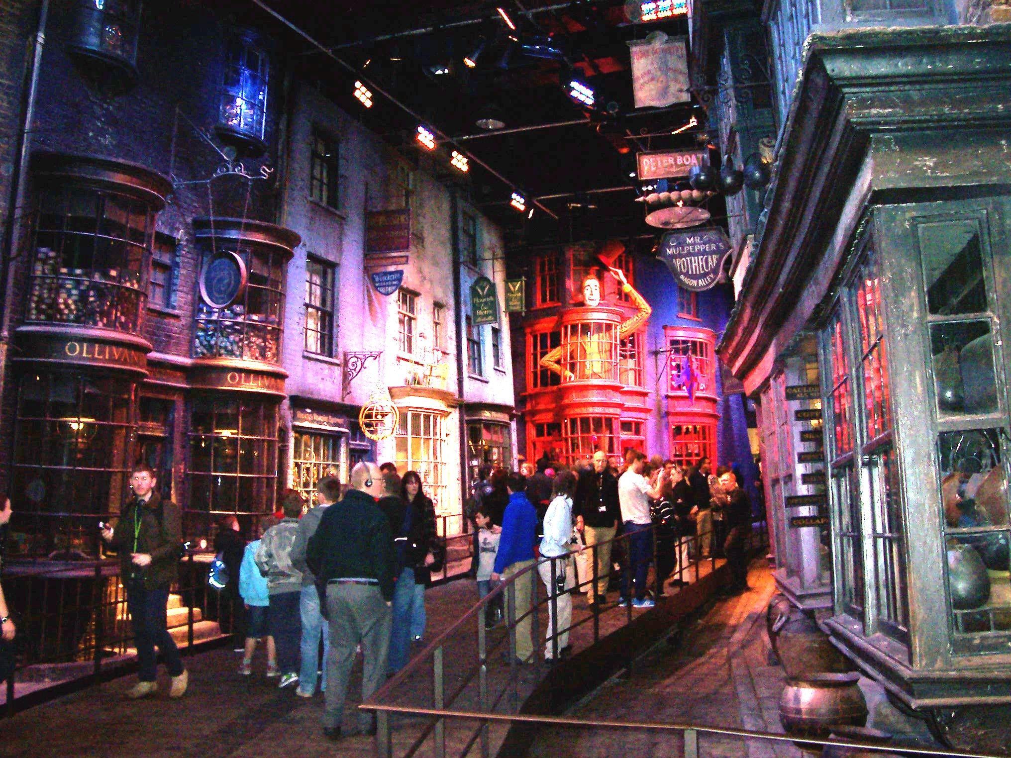 Warner Bros Harry Potter Studio Tour Watford Uk Harry Potter Studio Tour Harry Potter Studios Studio Tour