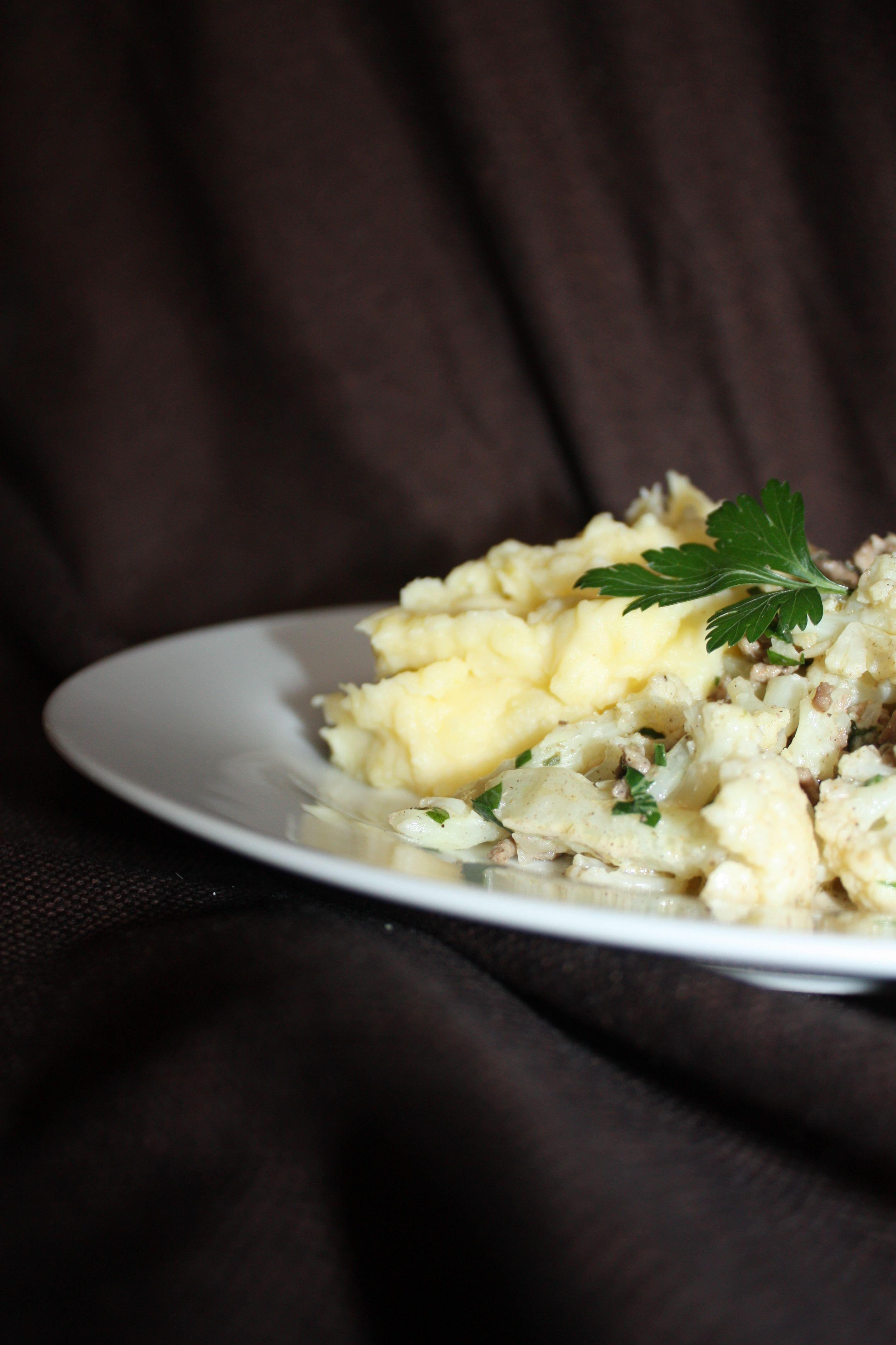 Kartoffelpüree mit Blumenkohl-Hack-Pfanne https://wirbelinmeinerkueche.wordpress.com/2015/09/04/es-wird-herbst/