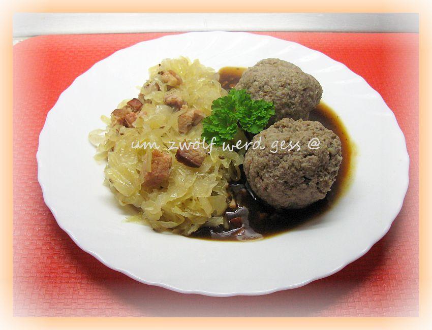 350 g schweineleber 500 g schweinefleisch oder schweinehackfleisch etwas schweineschmalz 125 g dorrfleisch 1 altbackene brotchen 1 zwiebel 1 ei 15 g salz