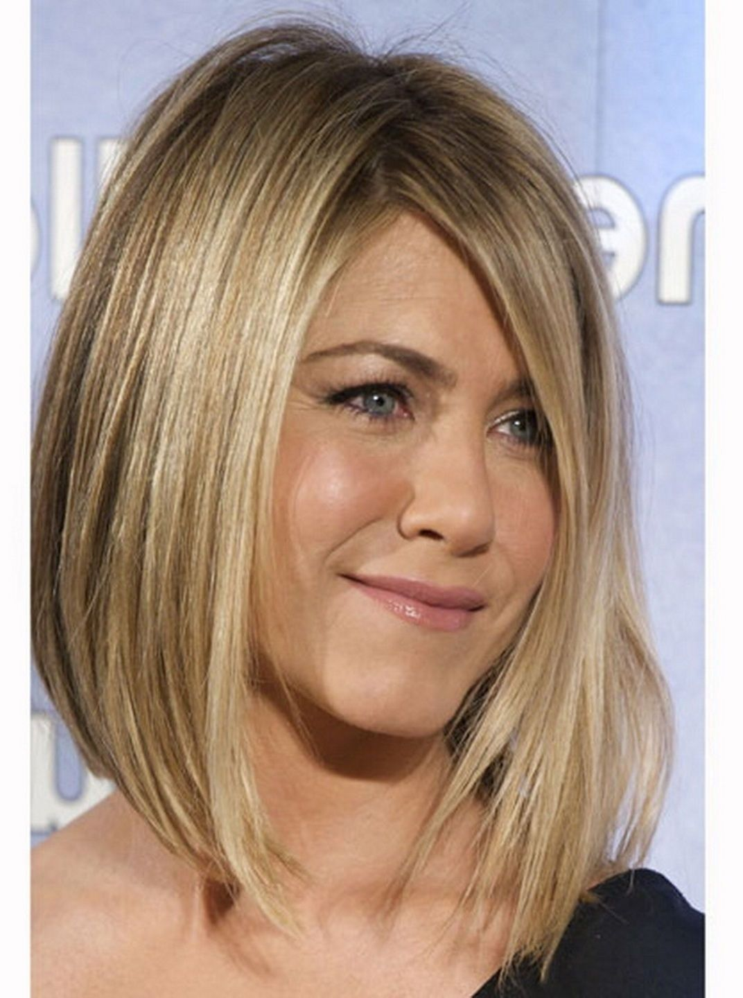 different bob hairstyles jennifer aniston look cool