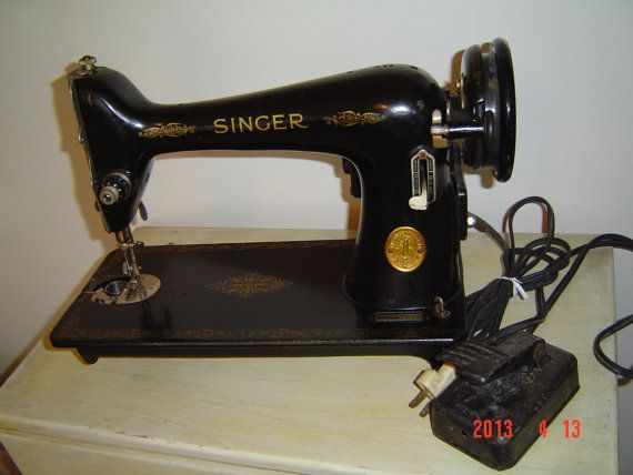 Vintage singer industrial sewing machine model 66 by for Industrial vintage mobel