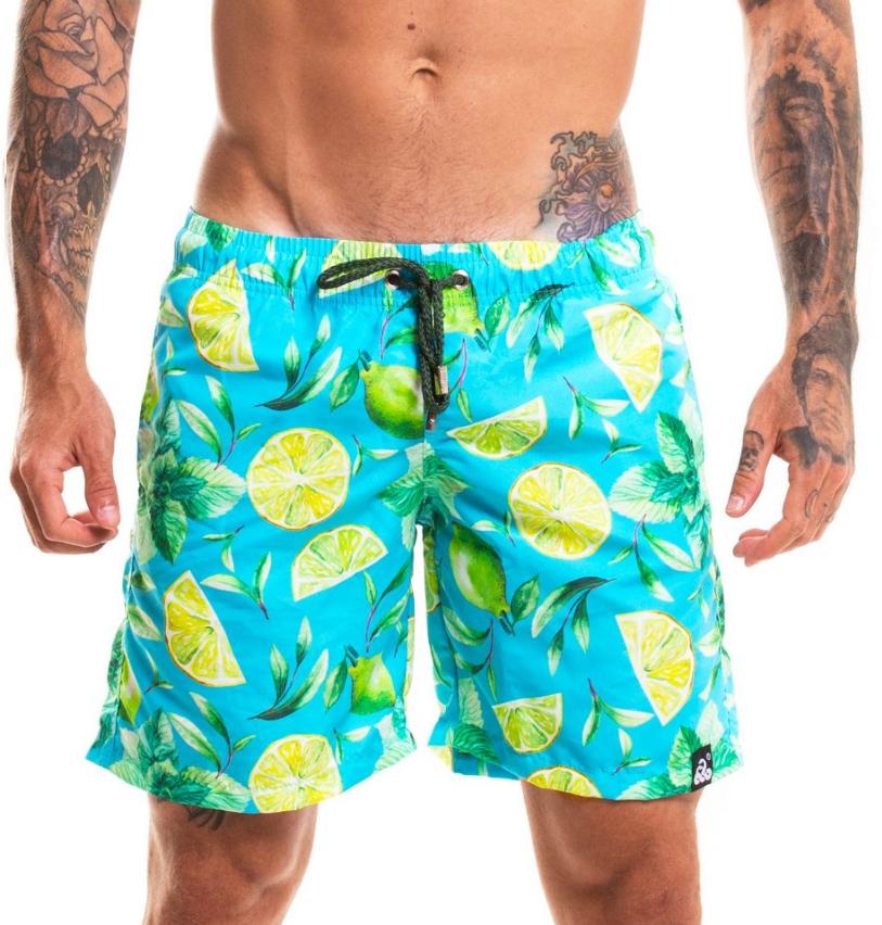 ef7b93c22c36 ... LaVíbora Loja Online. Os shorts estampados voltaram para o topo das  tendências de moda praia mundo afora