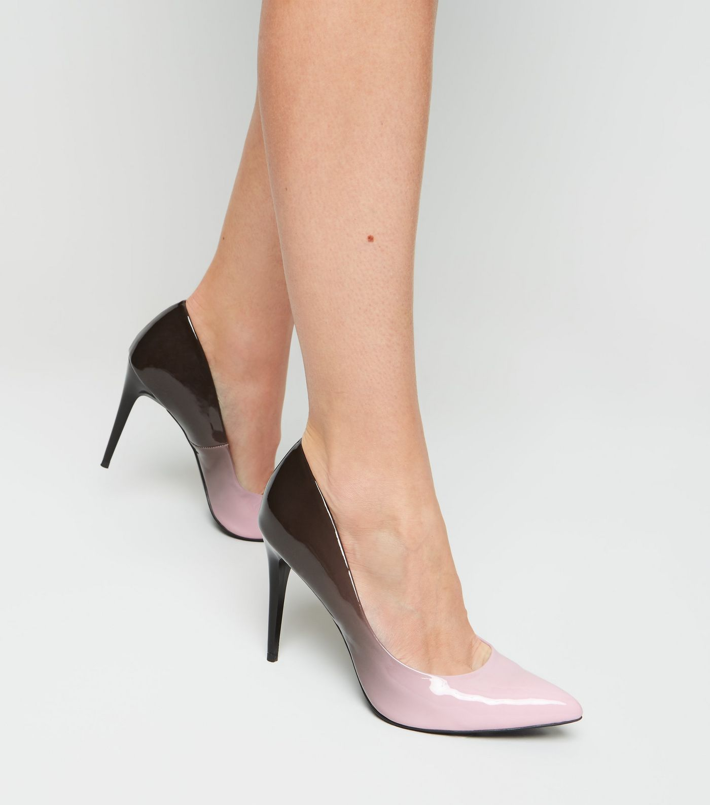 2442c52e905 Nude and Black Ombré Pointed Courts in 2019   Footware   Black court ...