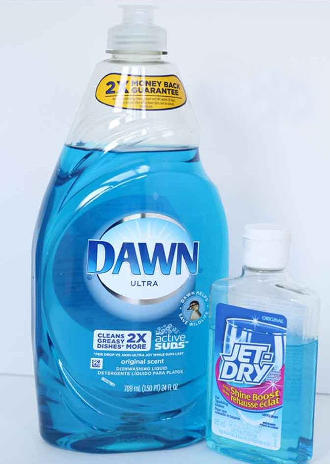 Clean Your Windows With This Recipe ½ Gallon Warm Water 1 Tbsp Liquid Jet Dry 2 3 Laundry Detergent Or Dish Washing Soap
