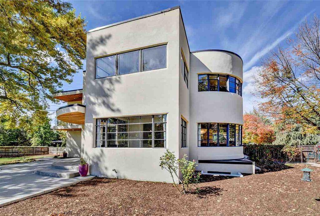 Zestimate® Home ValueZestimate® Home Value A true original, this ...