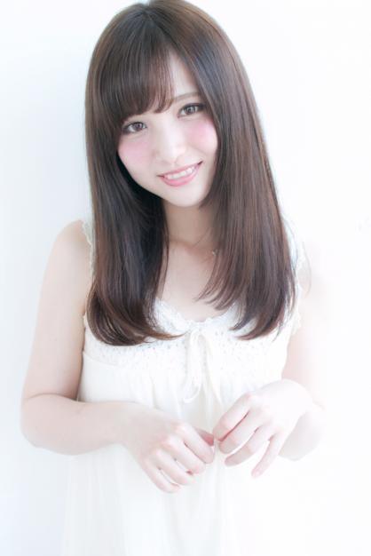 顔周りで小顔に見せるストレートセミロング H 281 Alice By Afloatのヘアスタイル アジア人 ショートヘア アジア風ヘアカット ヘアスタイリング