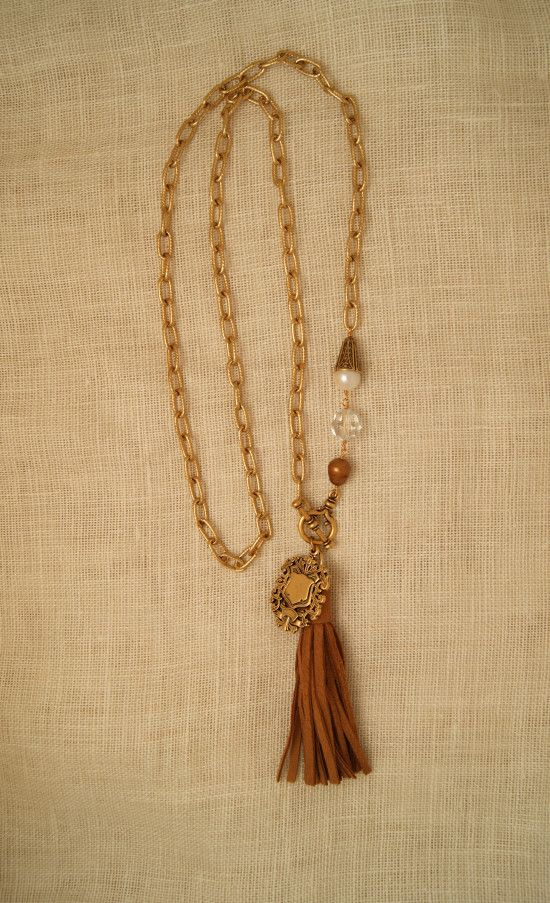 ExVoto Vintage Jewelry Woodley Medal with Deerskin Tassel #vintage #vintagejewelry #tassel #deerskin #vintagemedal #madeinusa #pearl