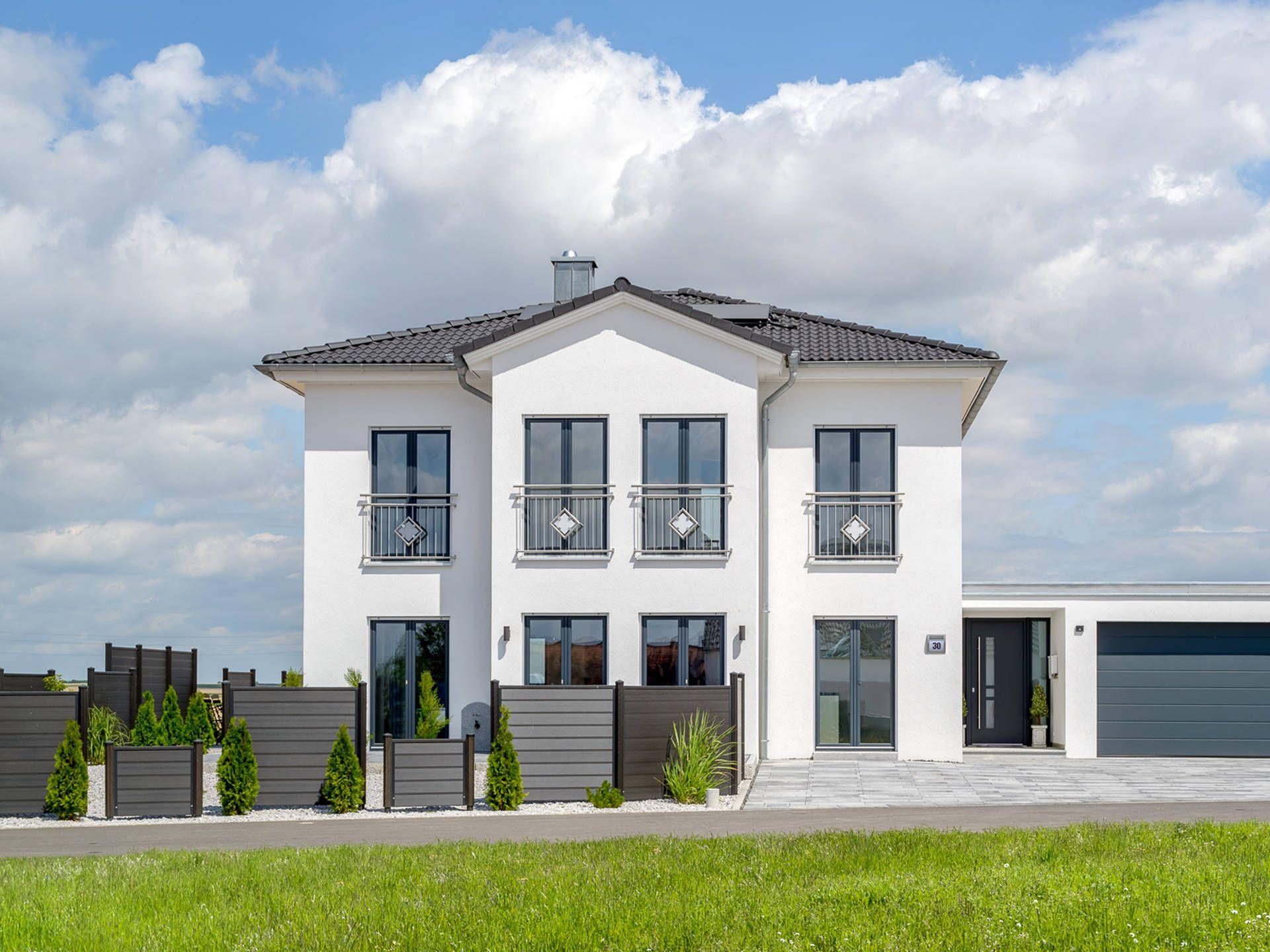 Fertighaus modern walmdach  Stadtvilla mit Stil - Auen • Fertighaus von ALBERT Haus ...
