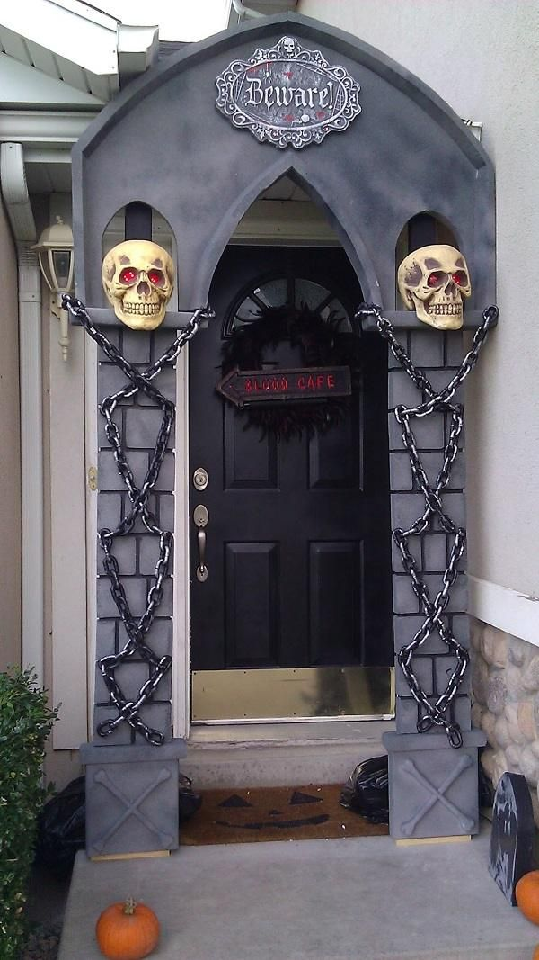 halloween decorating ideas front door decoration halloween props arch skulls chains - Halloween Decor 2016