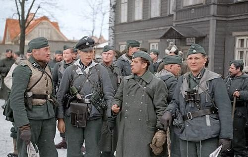 Soldiers of 20  Waffen-Grenadier-Division der SS (estonian) | Rot in