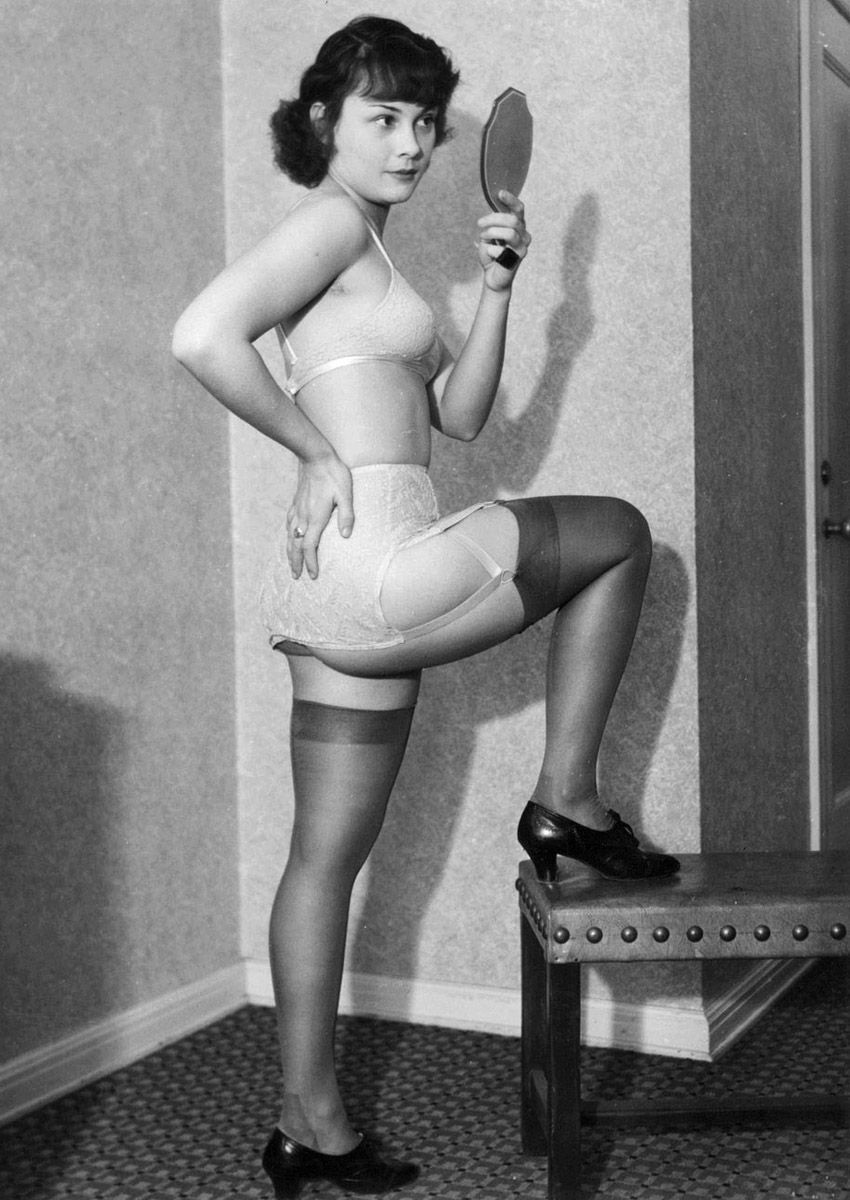f6089543a0f lingerie fashion model -1950 s