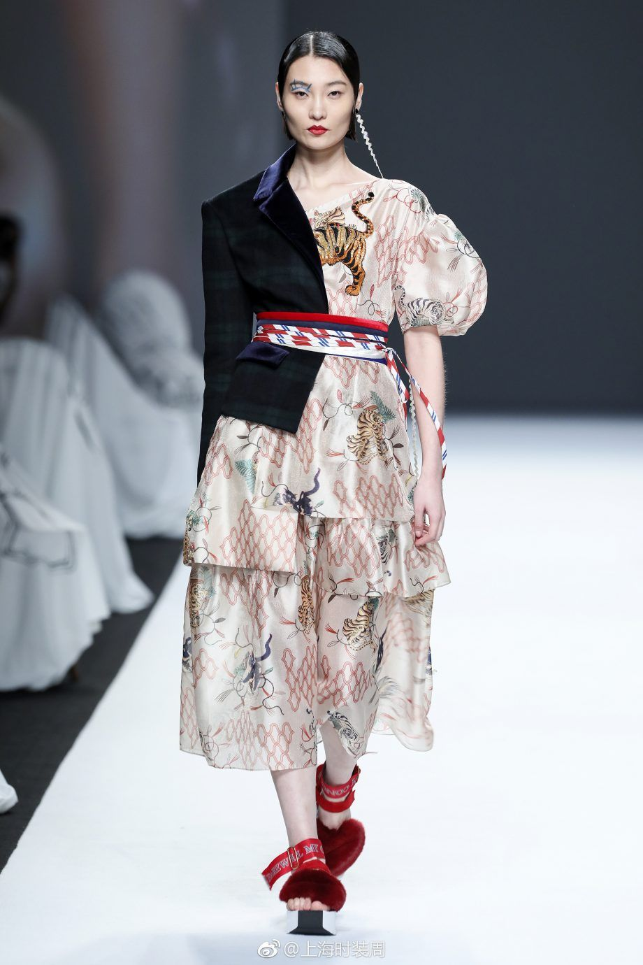 MUKZIN 密扇 Fall/Winter 2017 Fashion, Red fashion, High