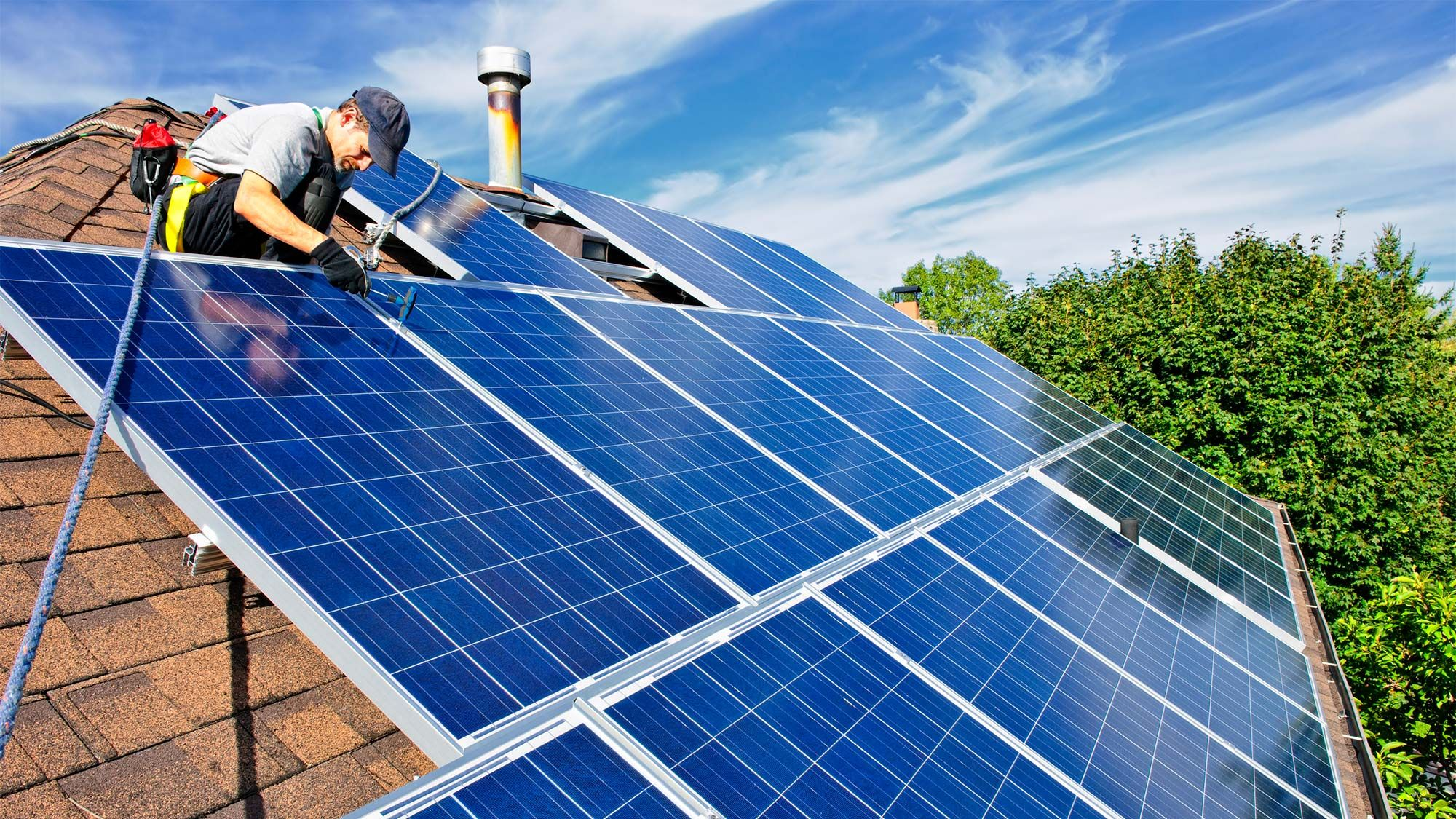 How Much Do Solar Panels Cost And How Much Money Do They Save Solar Roof Solar Panels For Home Solar House