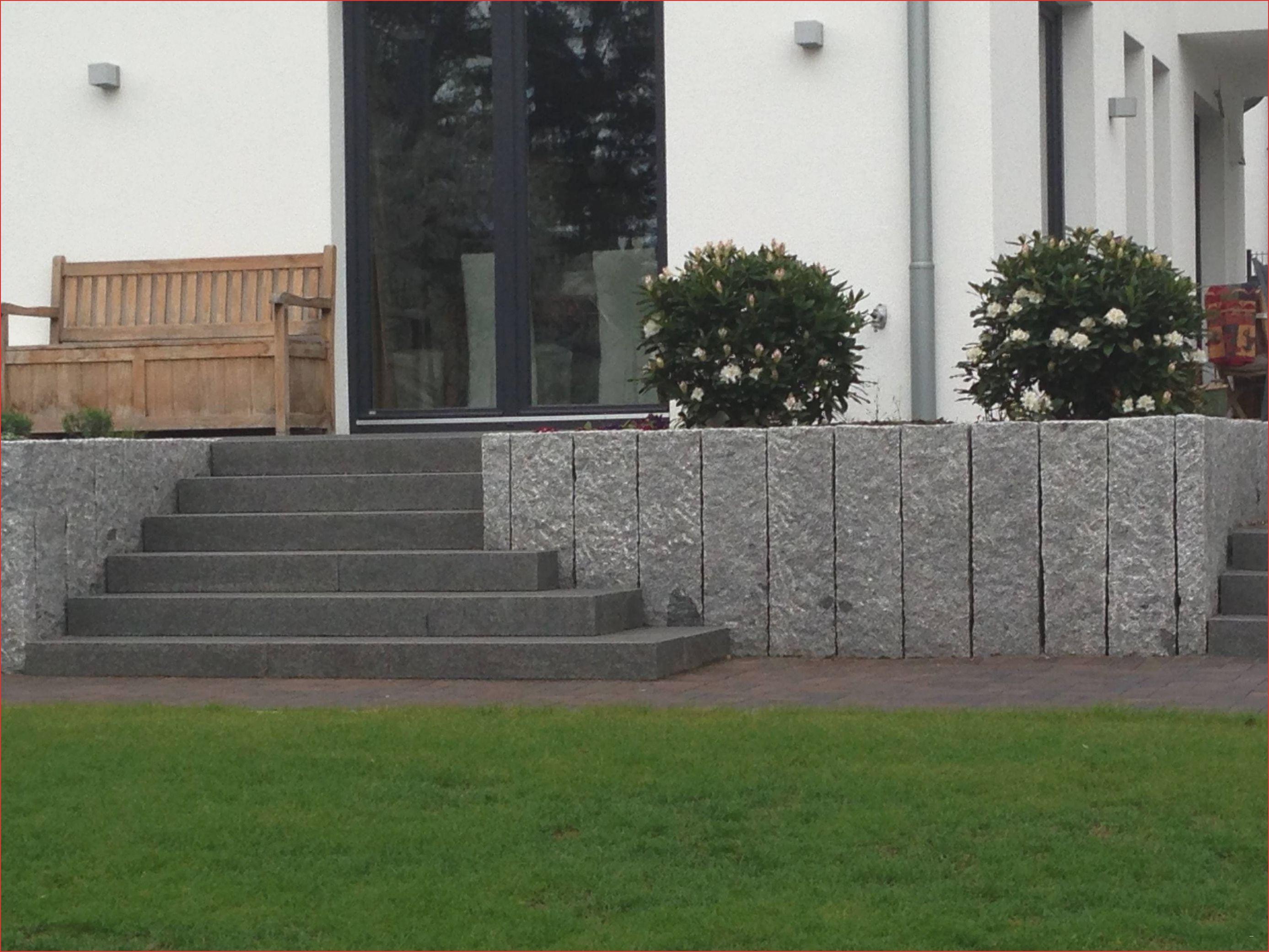 Terrasse Mit Treppe Zum Garten Beliebt Terrasse Mit Stufen #terassenüberdachung