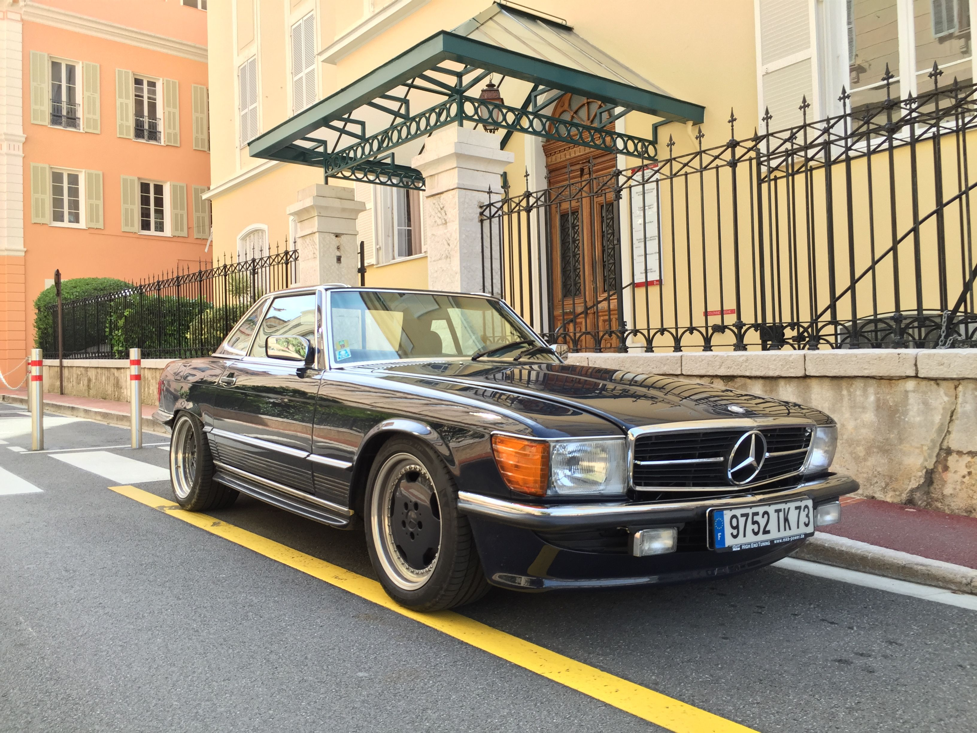 mercedes benz 560 sl amg 6 0 garage pinterest. Black Bedroom Furniture Sets. Home Design Ideas