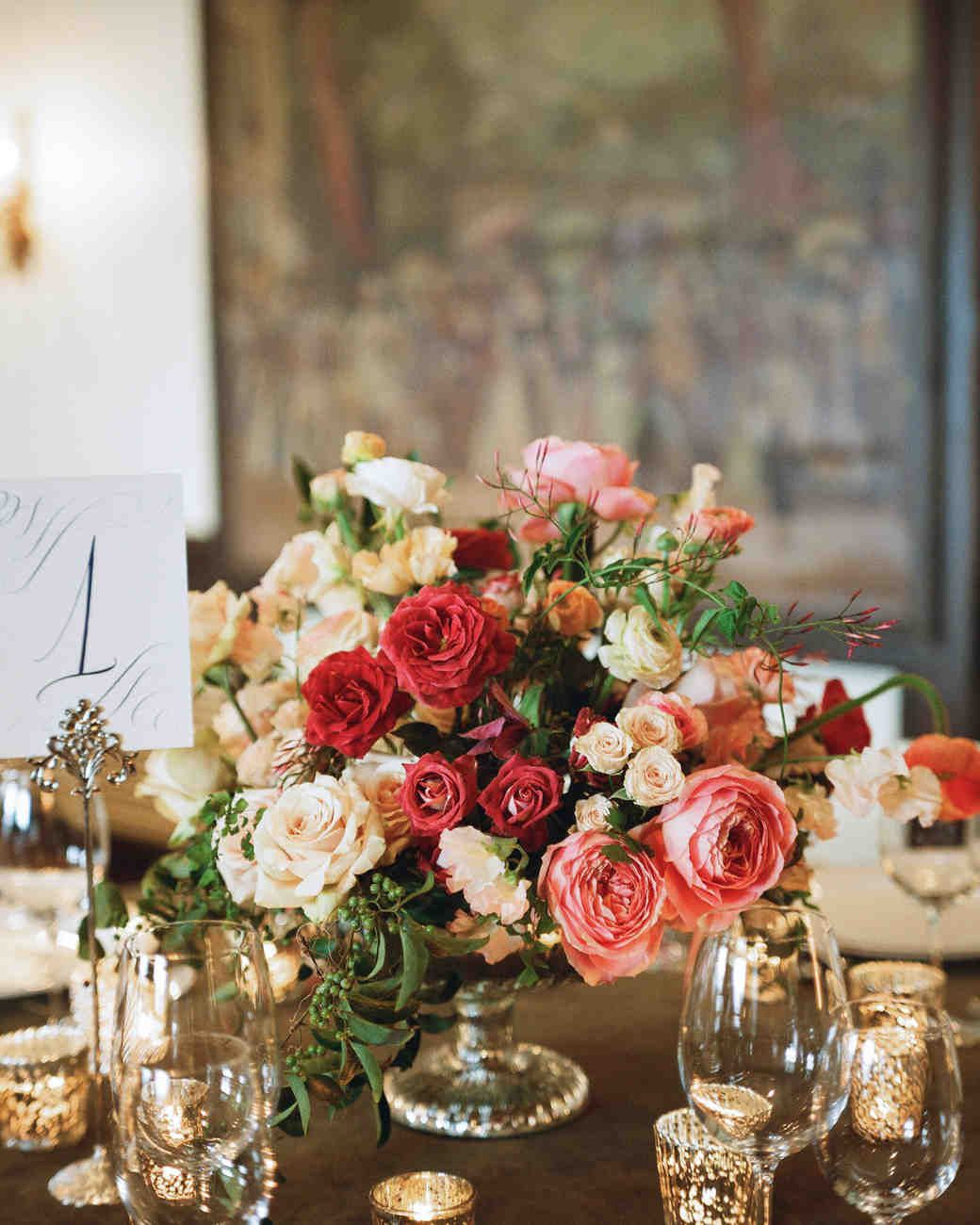 22 Totally Chic Vintage Centerpieces