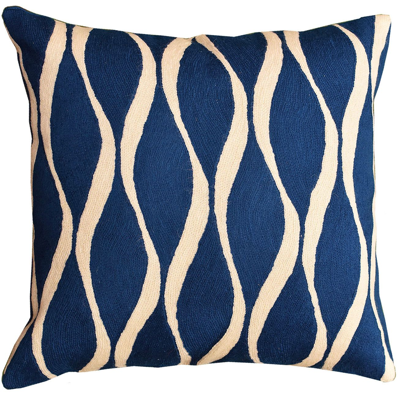 A Guide For Trimming The Modern Throw Pillow Designer Throw