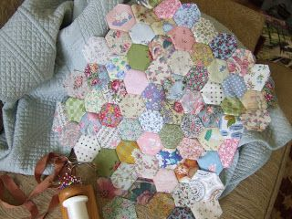 QuiltBee: Hexie pillow, October 2011