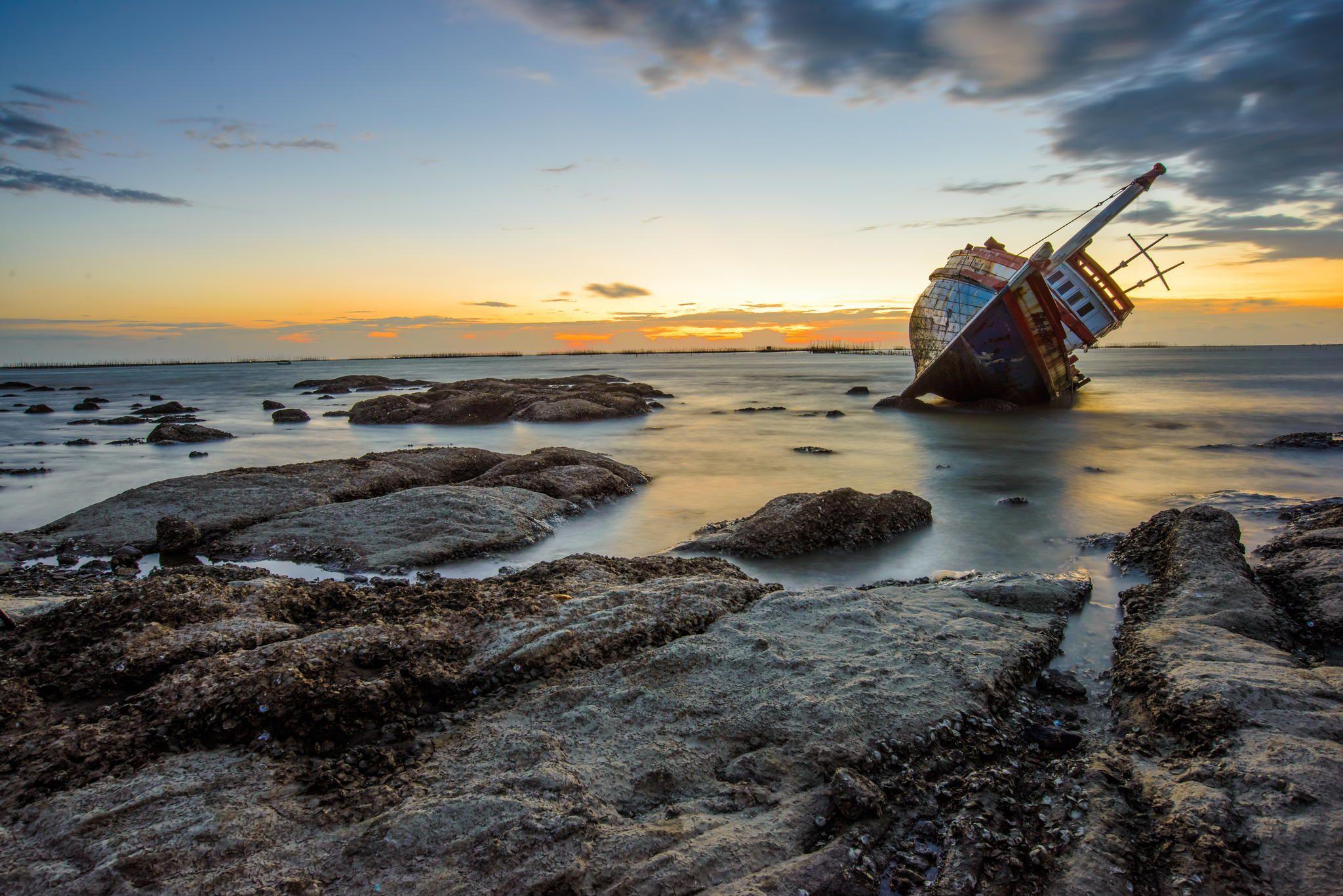 Shipwreck in thailand,Chonburi by Chu Suttisak Laohateeranon on 500px