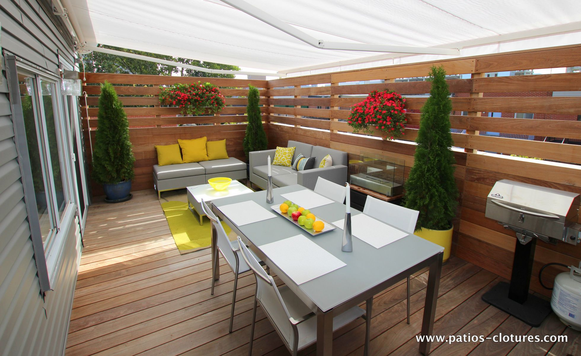 terrasse sur le toit en ip r alis e pour l 39 acteur patrice. Black Bedroom Furniture Sets. Home Design Ideas