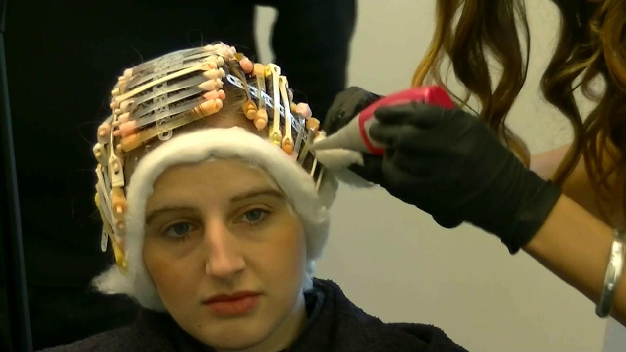 Pin von Alison06 auf perms  Dauerwelle Frisuren und Wellen