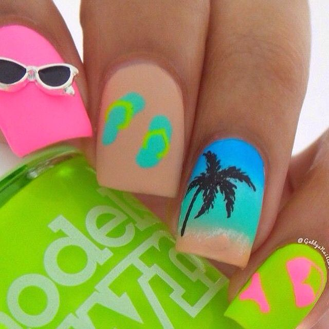 Neons & summer essentials!
