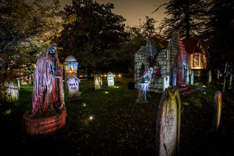 24jpg (800×533) halloween inspirations Pinterest Graveyards