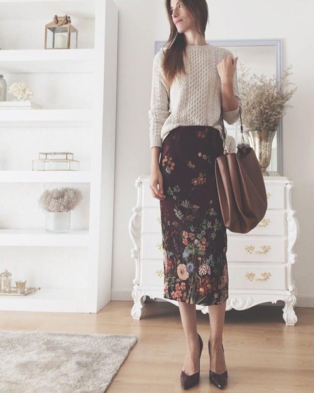 Midi fall skirt and knit