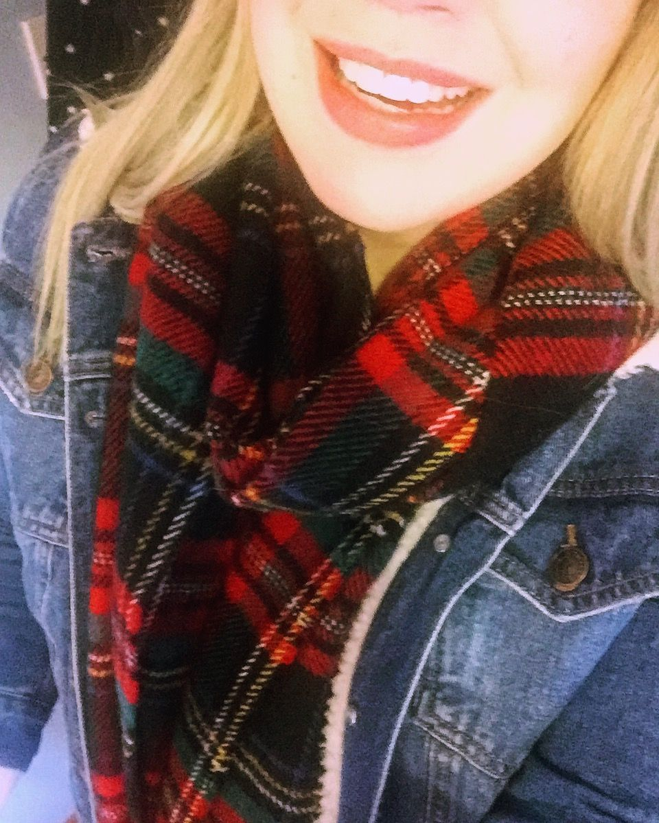 Tartan scarf and denim jacket 💙