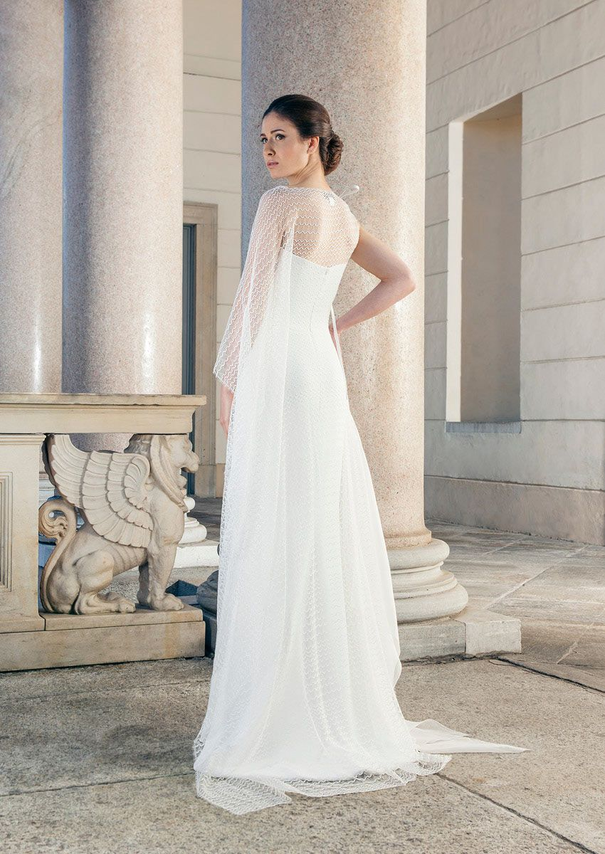 Wedding dress with removable cap from tip of Giuseppe Papini