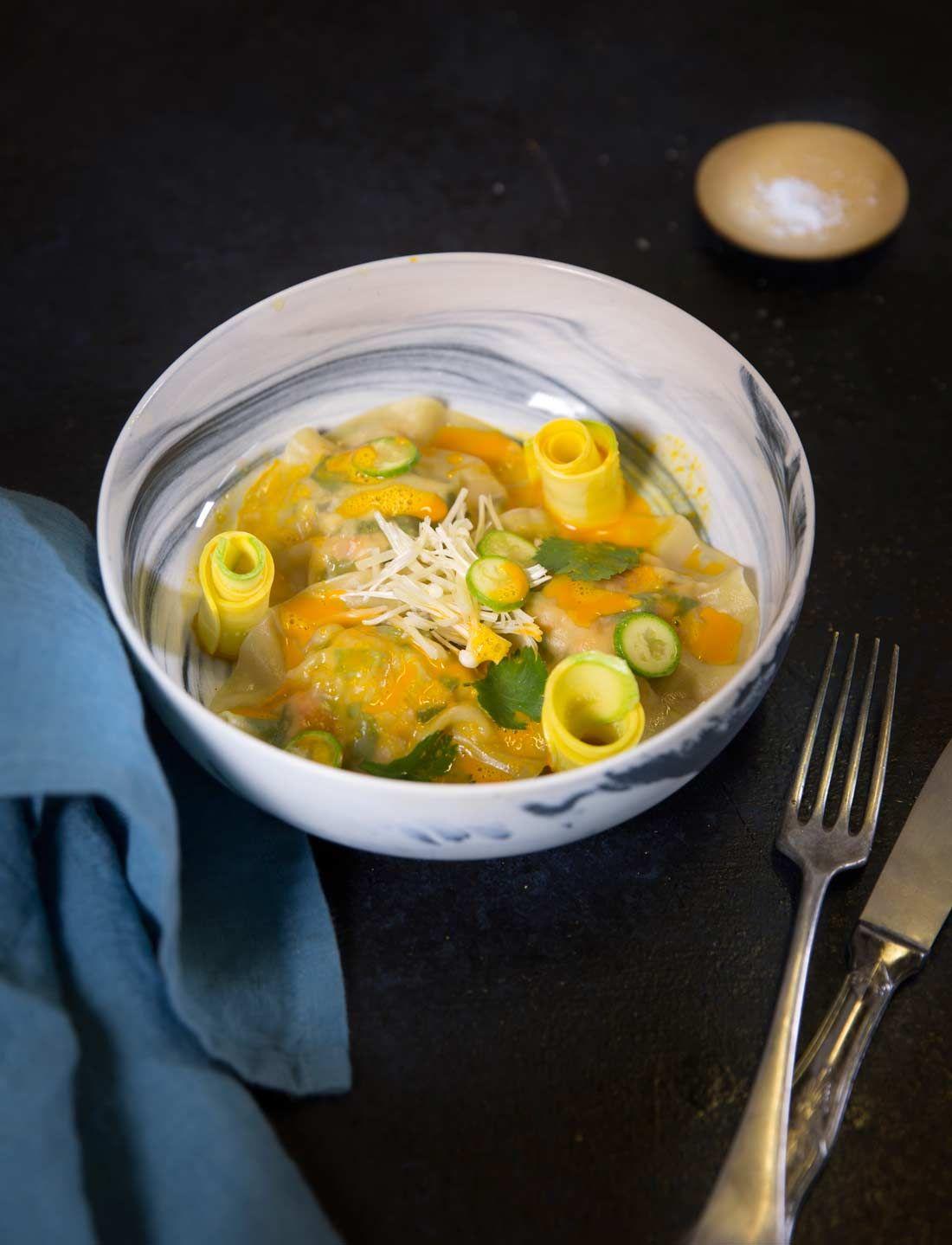 Ravioles de crevette et jus de carotte au gingembre ...