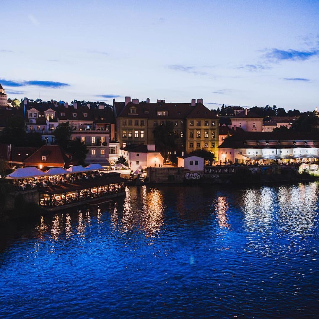 "Gefällt 82 Mal, 3 Kommentare - Daniel Laqua (@daniel_laqua) auf Instagram: ""View from Charles Bridge - Throwback 07/2016 . . . . #czech #czechrepublic #photooftheday #travel…"""