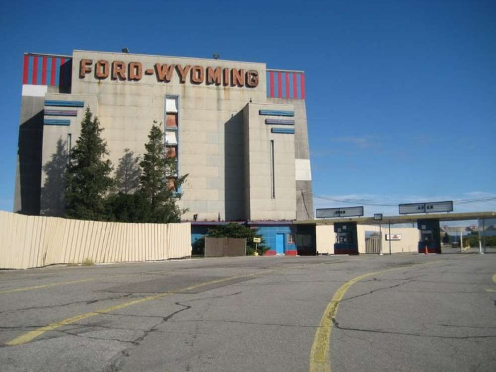 The FordWyoming Theatre (Dearborn, Michigan) Becki B