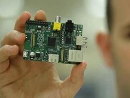 Το μικρότερο και φθηνότερο κομπιούτερ στον κόσμο: Raspberry Pi.  http://www.techmeup.gr/index.php/78-general/1647-to-mikrotero-kai-fthinotero-kompioyter-ston-kosmo-raspberry-pi