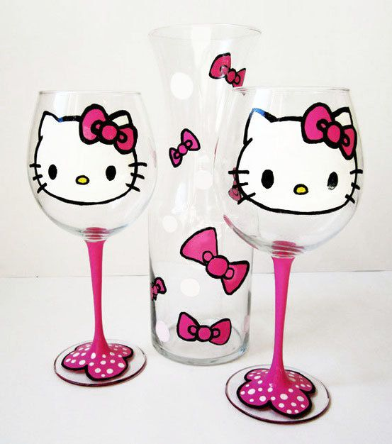 Hello kitty wine glass set
