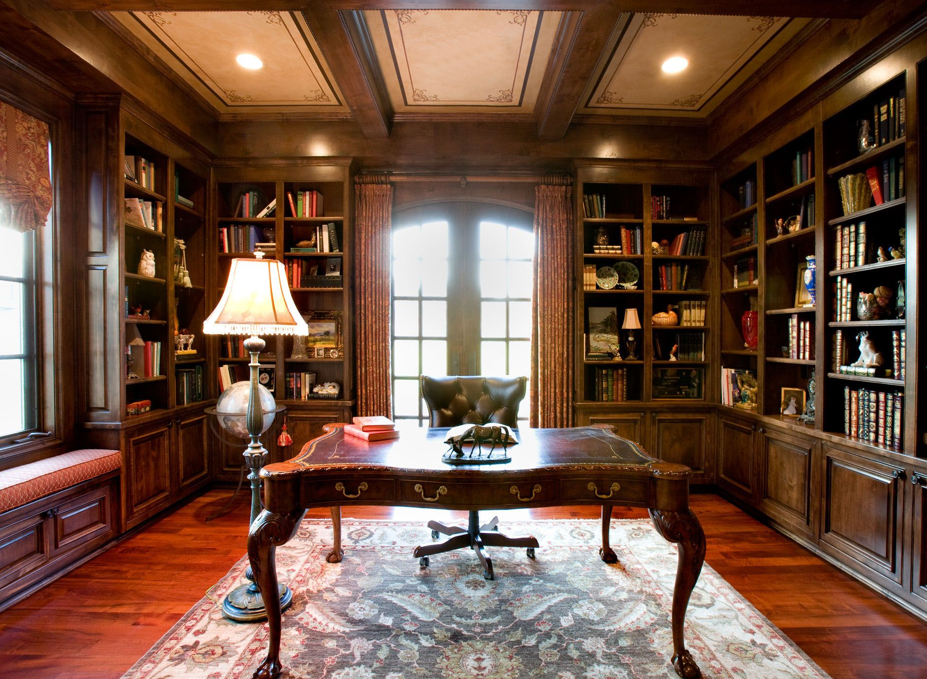 Elegant home library interior design 30 classic home for Home interior images