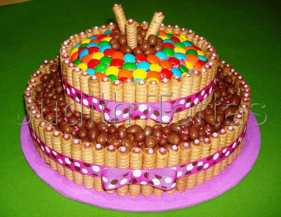 Torta decorada von golosinas | Ideas para Tortas | Pinterest