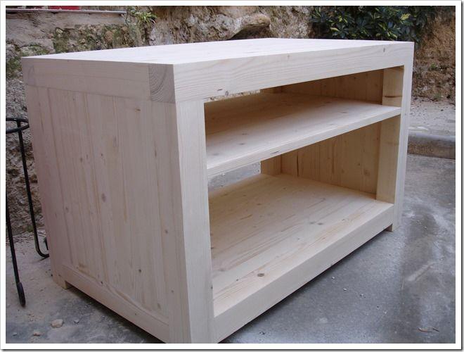 Mueble para la tv est hecho integramente con listones y - Sofas de madera de pino ...