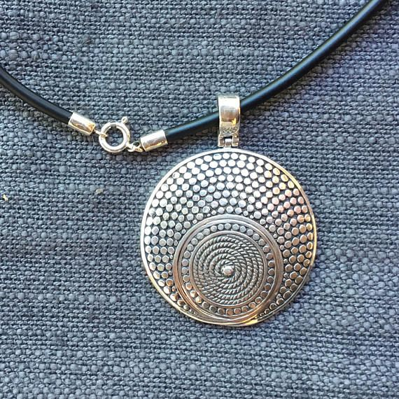 5c8e316dbd4f eyeglasses necklace