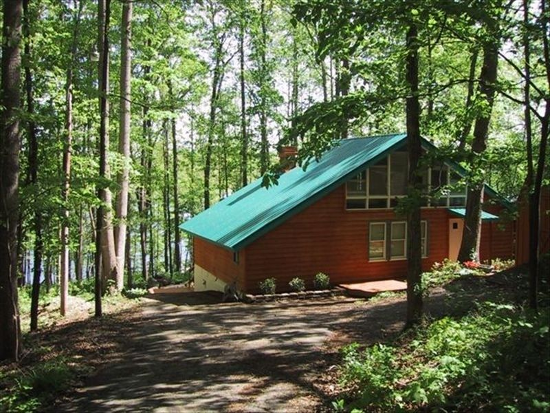 Chalet Vacation Rental In Gainesville From Vrbo Com Vacation Rentals By Owner Vacation Rental House Rental