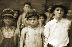 Cotton Mill workers, very young, in the USA, around 1906