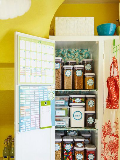 Free pantry printables...just in case my pantry ever gets this organized.