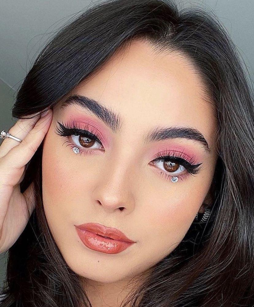 Pin by Gabby Meade on Makeup Inspo in 2020 Fenty beauty