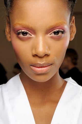 Cómo aplicar cosméticos.