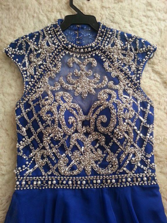 Vestido de Festa azul com bordado e tule compre por menos