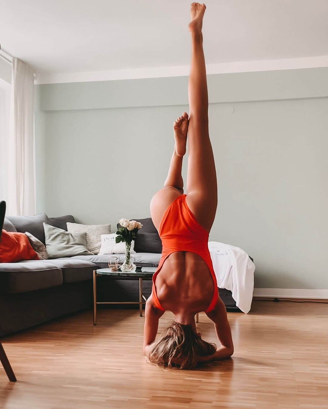 Wherever Your Wild Thoughts Go Is Where Your Heart Is Home Yoga Headstand Sirsasana Motivation Happy Home Mun Cozy House Maisons Du Monde Head Stand